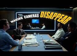 Enlace a ¿Cómo hacen las cámaras para no salir en las escenas de espejos?