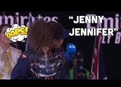 Enlace a Cuando quiere que la llamen Jenny, pero tú la vas a llamar Jennifer