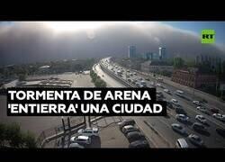 Enlace a Una tormenta de arena 'se traga' una ciudad entera en pocos minutos