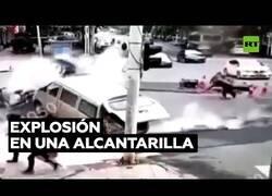 Enlace a Una explosión en una alcantarilla acaba con una calle en China