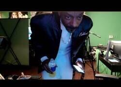 Enlace a Momento en el que Snoop Dogg se da cuenta de que dejó su streaming abierto durante más de 8 horas