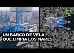 Enlace a El velero que limpia la basura de los mares y la convierte en combustible