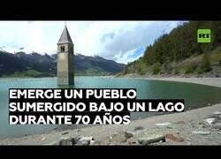Enlace a Sale a la luz un pueblo sumergido en un lago en Italia durante 70 años
