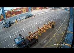 Enlace a Peligroso desplome de contenedores en el puerto de Gran Canaria