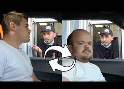 Enlace a Cambio de conductor en el McAuto [Cámara Oculta]