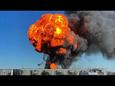 Increíble explosión en una gasolinera de Novosibirsk, Rusia