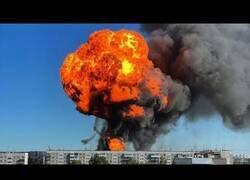 Enlace a Increíble explosión en una gasolinera de Novosibirsk, Rusia