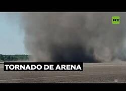 Enlace a Gran tornado de arena avistado en Rusia