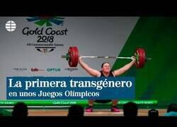 Enlace a Laurel Hubbard, la primera deportista trasgénero en unos Juegos Olímpicos