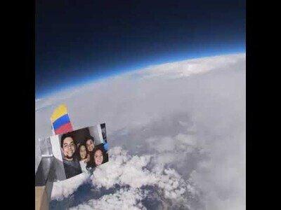 Un colombiano pega una cámara a un globo y consigue grabar desde el espacio
