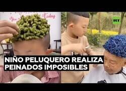 Enlace a El peluquero de 6 años que hace cortes imposibles