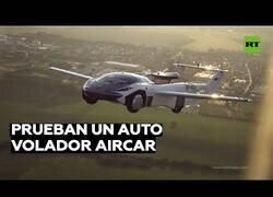 Enlace a Poniendo a prueba el coche volador AirCar entre dos aeropuertos de Eslovaquia