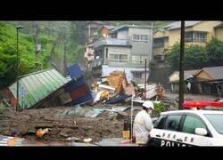 Enlace a Deslizamiento de tierra arrasa un barrio en Japón