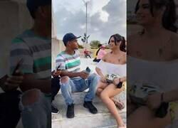 Enlace a ¿Y si te dicen que la mujer a la que acabas de besar se llama Raúl?