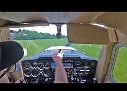 Enlace a Un aspirante a piloto queda sin motor y realiza un aterrizaje de emergencia