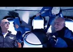 Enlace a Así se vivió en viaje espacial de Jeff Bezos desde dentro del cohete