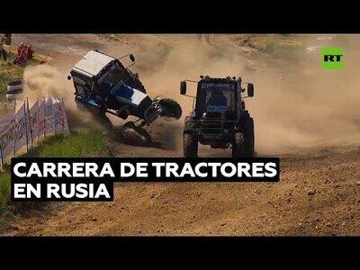 La emocionante carrera de tractores que se celebra en Rusia
