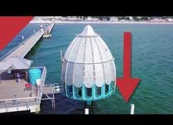Enlace a El 'ascensor marino' que te permite sumergirte en el Mar Báltico