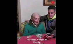 Enlace a Tiene 100 años y su nieto le consiguió un saludo de Messi que conmueve