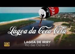 Enlace a El lago de CocaCola, ¿te bañarías ahí dentro?