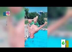 Enlace a El impresionante salto de un abuelo en trampolín