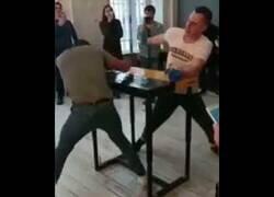 Enlace a ¿Sabías que existe el boxeo de mesa?