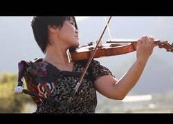 Enlace a La atleta paralímpica que también toca el violín