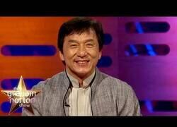 Enlace a Lo que más molesta a Jackie Chan cuando le reconocen por la calle