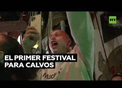 Enlace a Nueva York celebra por primera vez un festival para calvos