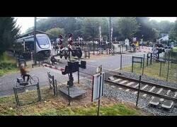 Enlace a La importancia de no deambular por las vías de un tren