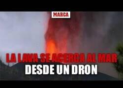 Enlace a La lava del volcán de La Palma se acerca al mar