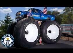Enlace a El Monster Truck más grande del mundo