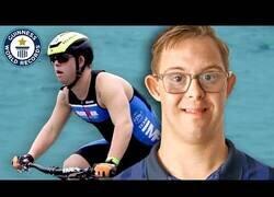 Enlace a El primer atleta con Síndrome de Down que compite para el IronMan