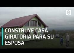 Enlace a Un hombre construye una casa giratoria para su esposa