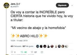 Enlace a La historia de un vecino homofobo, una bandera gay y un chico con mucha gracia para relatar los hechos, por @JARSYT