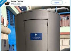 Enlace a Así me imagino los lavabos de los taxistas, por @Aquel_Coche