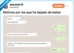 Enlace a PRIMERA NORMA DEL CLUB DEL BORRACHO: no cojas el movil bajo ningún concepto, por @RoldierXD