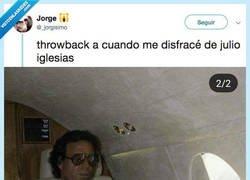 Enlace a El día que este muchacho se disfrazo de padre de todos... de Julio Iglesias, por @_jorgisimo