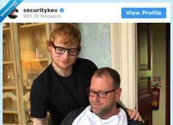 Enlace a El guardaespaldas de Ed Sheraan tiene instagram y es la leche