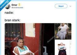Enlace a Parece una señora de pueblo, por @crocensurado