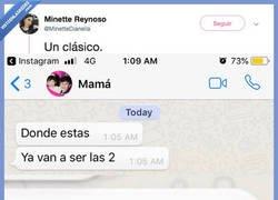 Enlace a A las 3 serán las 2 para las madres, por @MinetteDianella