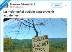 Enlace a Mejor que un triángulo con exclamación, por @EnfrmraSaturada