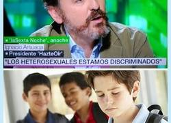 Enlace a Se queja de que los heterosexuales están discriminados..., por @MajimaGuy