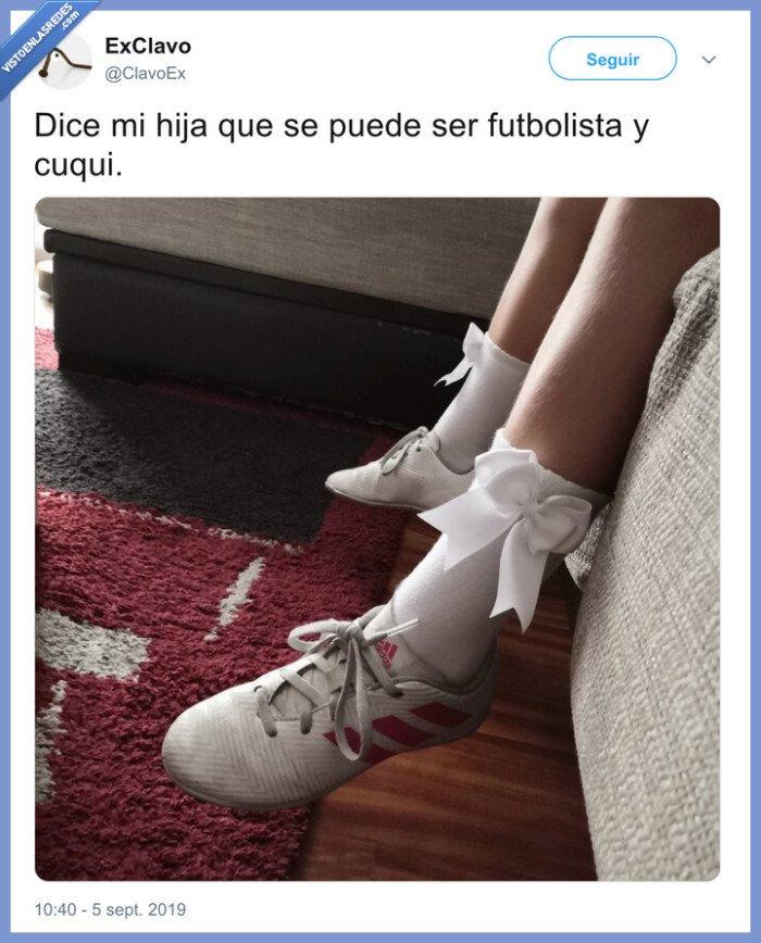 botas,calcetines,fútbol,lacitos,niña