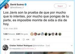 Enlace a Os invito a pasaros por las respuestas a este tuit del loco de David Suárez