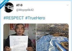 Enlace a Un héroe sin capa, por @Mxyzptlk42