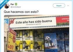 Enlace a Recomiendan quemar esta estantería en un super de España por el contenido machista dedicado a mujeres, por @nandodepor