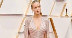 Enlace a Brie Larson iba espectacular en los Oscar pero nadie puede quitar la vista de su pie
