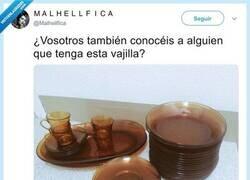 Enlace a La vajilla que ha habido en todas las casas de España, por @Malhellfica