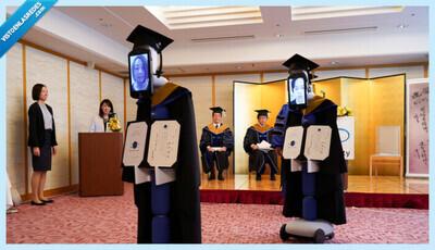550807 - Estudiantes japoneses son reemplazados por robots en una ceremonia de graduación durante la pandemia